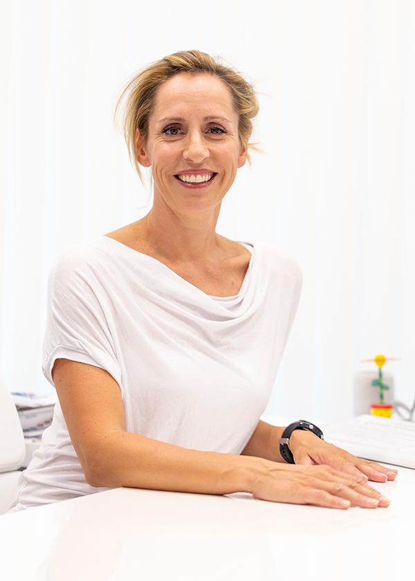 Dr. Martina Hörschläger